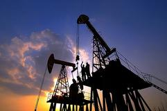 原油高位引发获利回吐  行情震荡调整
